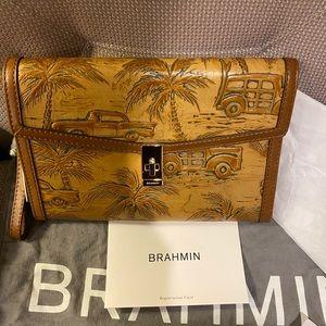 Brahmin signature print clutch 👜